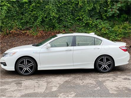 2017 Honda Accord Hybrid Touring (Stk: UC3636) in London - Image 1 of 14