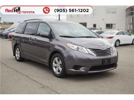 2017 Toyota Sienna LE 8 Passenger (Stk: 89986) in Hamilton - Image 1 of 18