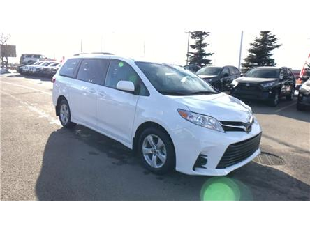 2020 Toyota Sienna LE 8-Passenger (Stk: 201021) in Calgary - Image 1 of 25