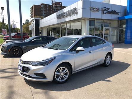 2017 Chevrolet Cruze LT Auto (Stk: 20030A) in Chatham - Image 1 of 19
