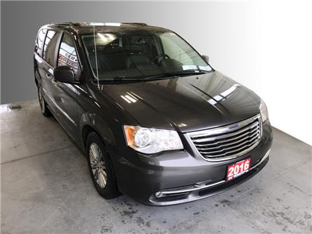 2016 Chrysler Town & Country Touring-L (Stk: S20272A) in Stratford - Image 1 of 17