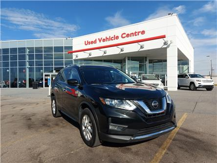 2019 Nissan Rogue SV (Stk: U204199) in Calgary - Image 1 of 27
