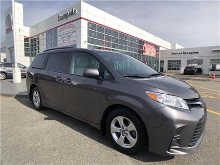 2019 Toyota Sienna LE 8-Passenger (Stk: 9203A) in Calgary - Image 1 of 24