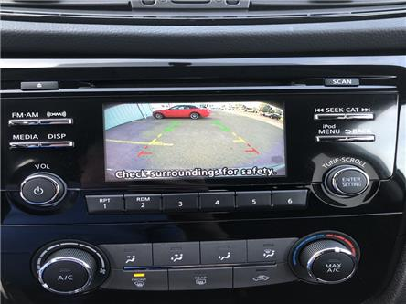 2017 Nissan Rogue SV (Stk: HC890773T) in Wallaceburg - Image 1 of 16