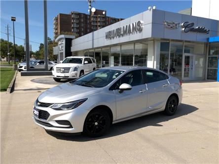 2016 Chevrolet Cruze LT Auto (Stk: 20041A) in Chatham - Image 1 of 18