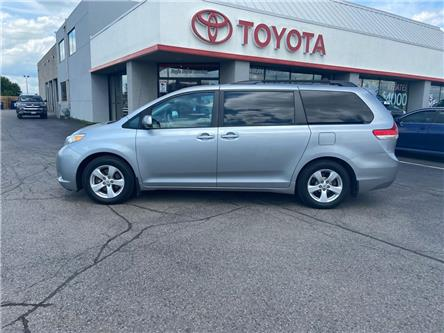 2014 Toyota Sienna  (Stk: 2005111) in Cambridge - Image 1 of 13