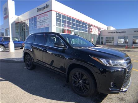 2019 Toyota Highlander XLE (Stk: 9225A) in Calgary - Image 1 of 12