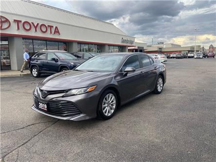 2019 Toyota Camry  (Stk: 2010782) in Cambridge - Image 1 of 14
