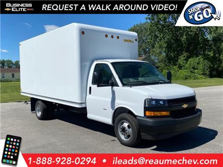2020 Chevrolet Express Cutaway Work Van (Stk: 20-0422) in LaSalle - Image 1 of 24