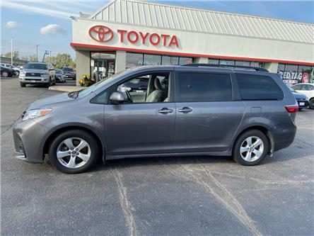2018 Toyota Sienna  (Stk: P0057260) in Cambridge - Image 1 of 17