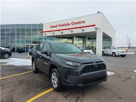 2019 Toyota RAV4 LE (Stk: U204255) in Calgary - Image 1 of 26