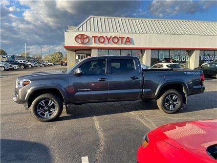 2017 Toyota Tacoma  (Stk: 2010881) in Cambridge - Image 1 of 19