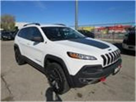 2017 Jeep Cherokee Trailhawk (Stk: 84717) in St. Thomas - Image 1 of 18