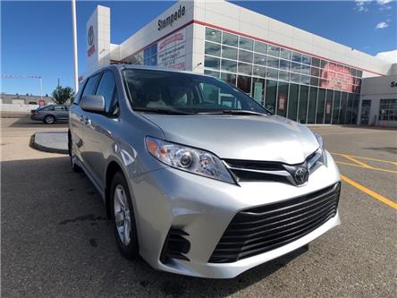 2020 Toyota Sienna LE 8-Passenger (Stk: 201093) in Calgary - Image 1 of 19