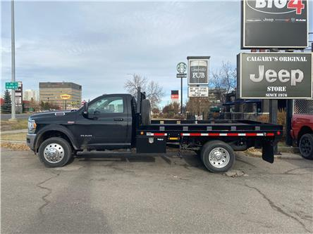2020 RAM 5500 Chassis Tradesman/SLT (Stk: 20T309) in Calgary - Image 1 of 18
