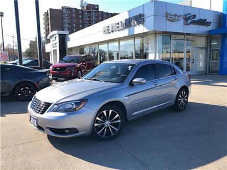 2013 Chrysler 200 Touring (Stk: M077A) in Chatham - Image 1 of 18