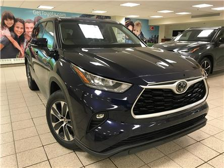 2020 Toyota Highlander XLE (Stk: 5921) in Calgary - Image 1 of 20