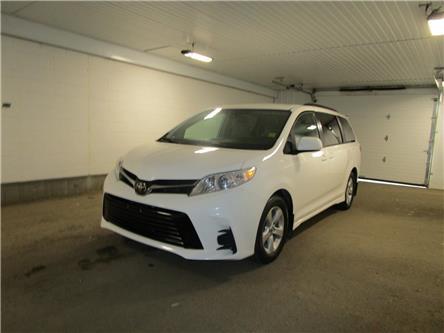 2020 Toyota Sienna LE 8-Passenger (Stk: F171545) in Regina - Image 1 of 36