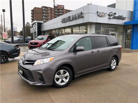 2019 Toyota Sienna LE 8-Passenger (Stk: 20114A) in Chatham - Image 1 of 19