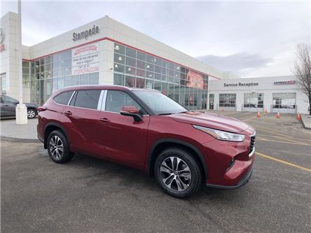 2021 Toyota Highlander XLE (Stk: 210097) in Calgary - Image 1 of 18