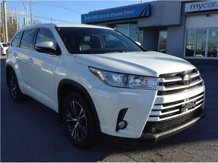 2018 Toyota Highlander LE (Stk: 201303) in Kingston - Image 1 of 26