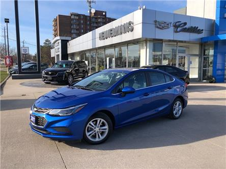 2017 Chevrolet Cruze LT Auto (Stk: 20121A) in Chatham - Image 1 of 18