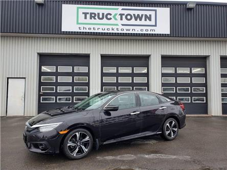2017 Honda Civic Touring (Stk: T0021) in Smiths Falls - Image 1 of 26