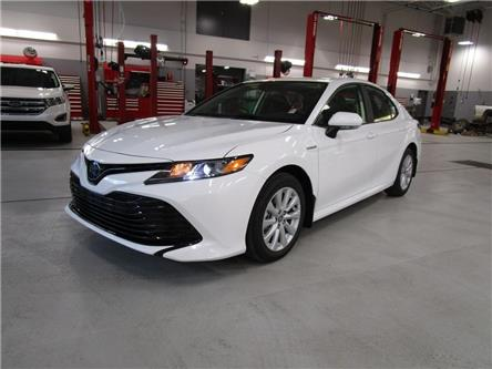 2020 Toyota Camry Hybrid LE (Stk: 208087) in Moose Jaw - Image 1 of 31