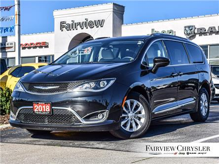 2018 Chrysler Pacifica Touring-L Plus (Stk: U17989) in Burlington - Image 1 of 30