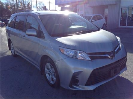 2020 Toyota Sienna LE 8-Passenger (Stk: 210142) in Kingston - Image 1 of 21