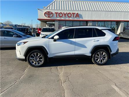 2019 Toyota RAV4 XLE (Stk: 2011111) in Cambridge - Image 1 of 17
