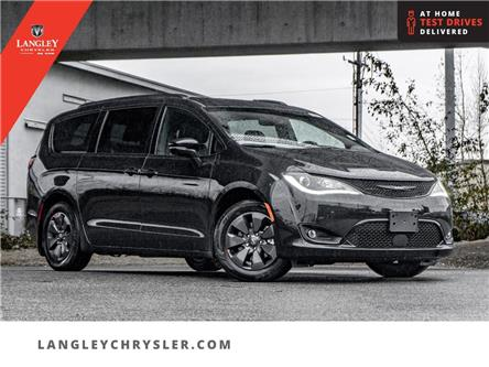 2020 Chrysler Pacifica Hybrid Limited (Stk: L289804) in Surrey - Image 1 of 24