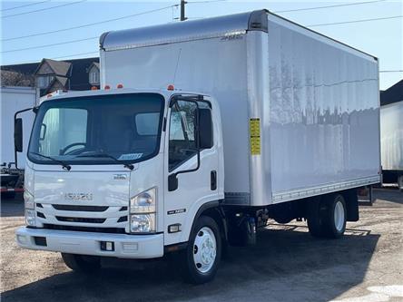 2017 Isuzu NRR Used 2017 Isuzu 18' Courier Truck (Stk: ST303691T) in Toronto - Image 1 of 17