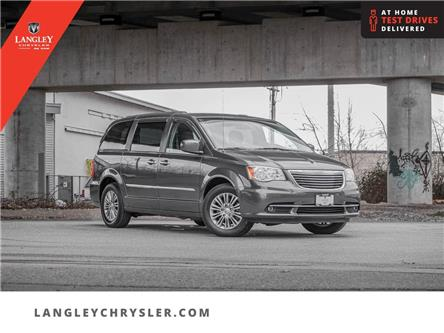 2016 Chrysler Town & Country Touring-L (Stk: LC0705A) in Surrey - Image 1 of 28
