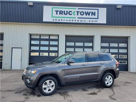 2015 Jeep Grand Cherokee Laredo (Stk: T0160-1) in Smiths Falls - Image 1 of 19