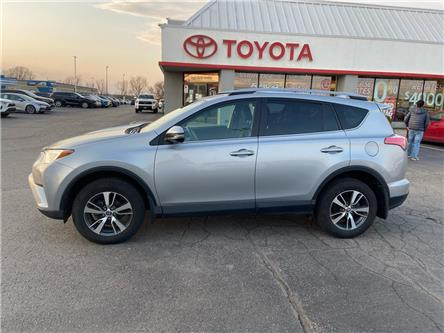 2018 Toyota RAV4  (Stk: 2100971) in Cambridge - Image 1 of 17