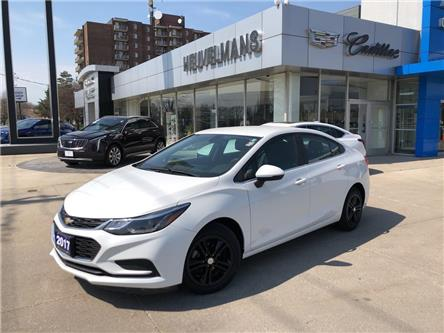2017 Chevrolet Cruze LT Auto (Stk: TM265AA) in Chatham - Image 1 of 18