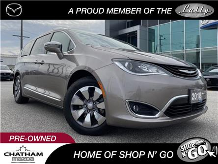 2018 Chrysler Pacifica Hybrid Limited (Stk: UM2600) in Chatham - Image 1 of 25