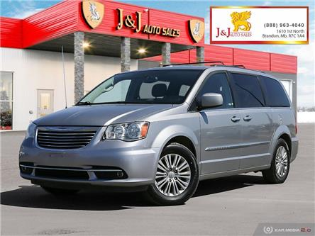 2016 Chrysler Town & Country Touring-L (Stk: J2106) in Brandon - Image 1 of 27