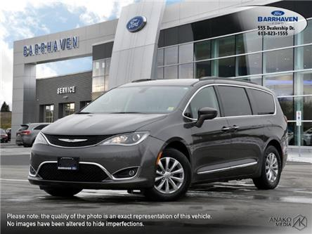 2017 Chrysler Pacifica Touring-L (Stk: 20-835B) in Barrhaven - Image 1 of 29
