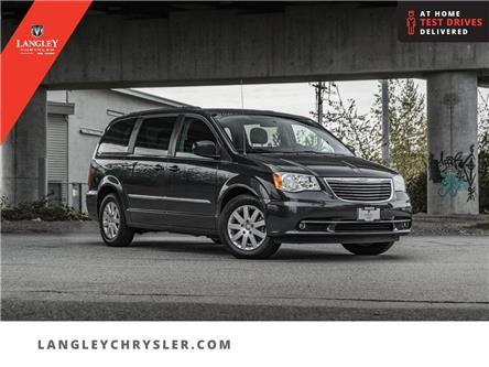2013 Chrysler Town & Country Limited (Stk: LC0685) in Surrey - Image 1 of 26