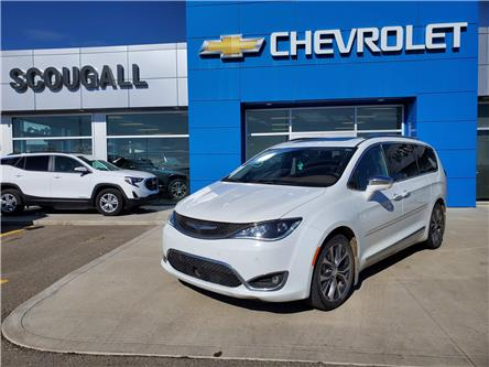 2017 Chrysler Pacifica Limited (Stk: 227449) in Fort MacLeod - Image 1 of 11