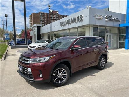 2018 Toyota Highlander  (Stk: M080A) in Chatham - Image 1 of 19