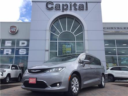 2017 Chrysler Pacifica Touring-L (Stk: P3074) in Kanata - Image 1 of 24