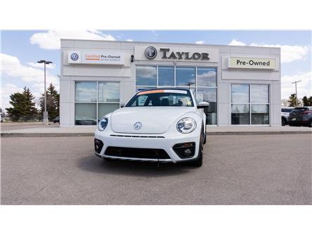 2018 Volkswagen Beetle 2.0 TSI Dune (Stk: 6874) in Regina - Image 1 of 40