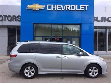 2020 Toyota Sienna LE 8-Passenger (Stk: 5200160) in Whitehorse - Image 1 of 25