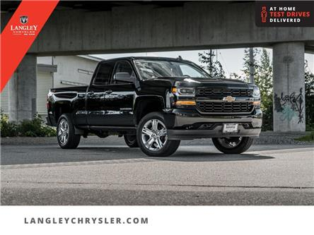 2017 Chevrolet Silverado 1500 Silverado Custom (Stk: M600156B) in Surrey - Image 1 of 25