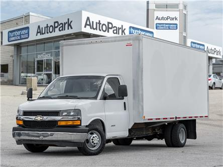 2017 Chevrolet Express Cutaway 4500 2WT (Stk: CTDR4877) in Mississauga - Image 1 of 16