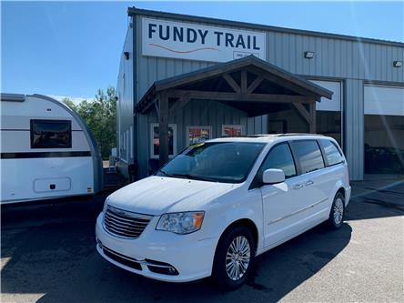 2015 Chrysler Town & Country Touring-L (Stk: 21243a) in Sussex - Image 1 of 13