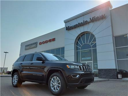 2021 Jeep Grand Cherokee Laredo (Stk: AM095) in Olds - Image 1 of 25